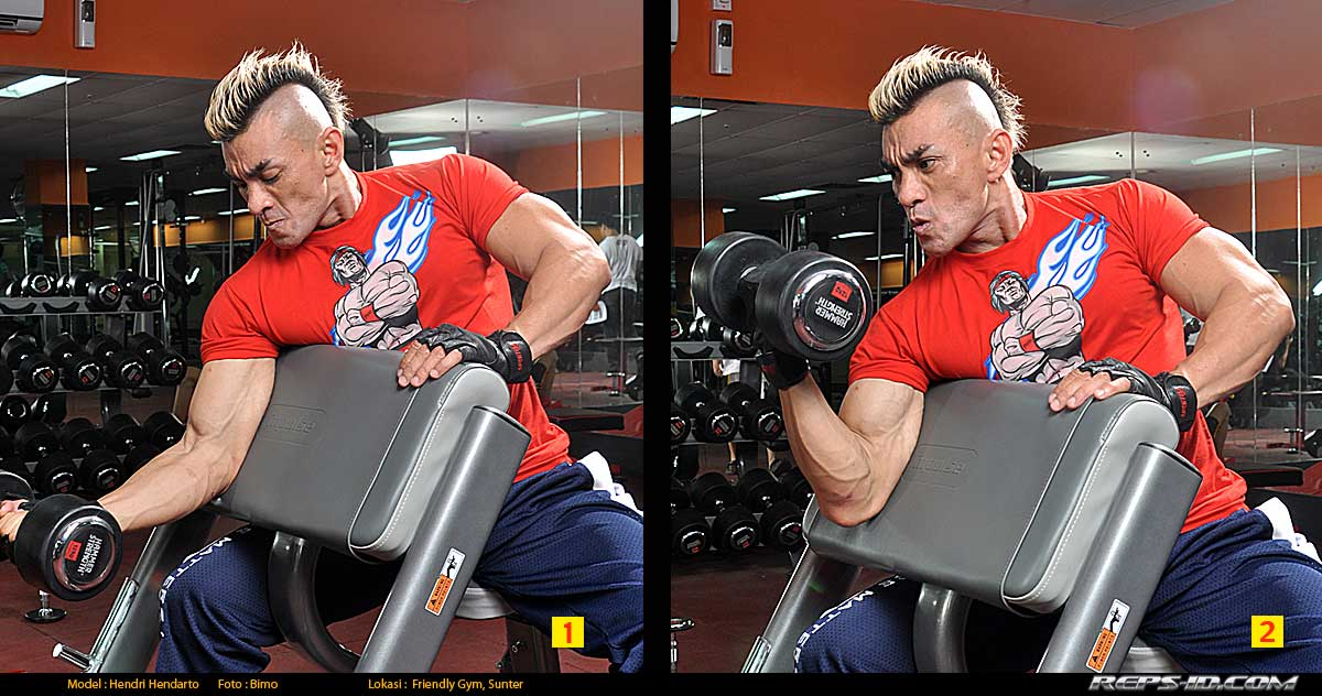 one-arm-dumbell-preacher-curl