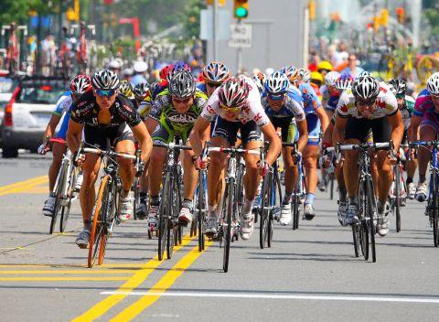 Bersepeda vs nge-gym, mana yang lebih efektif untuk diet?