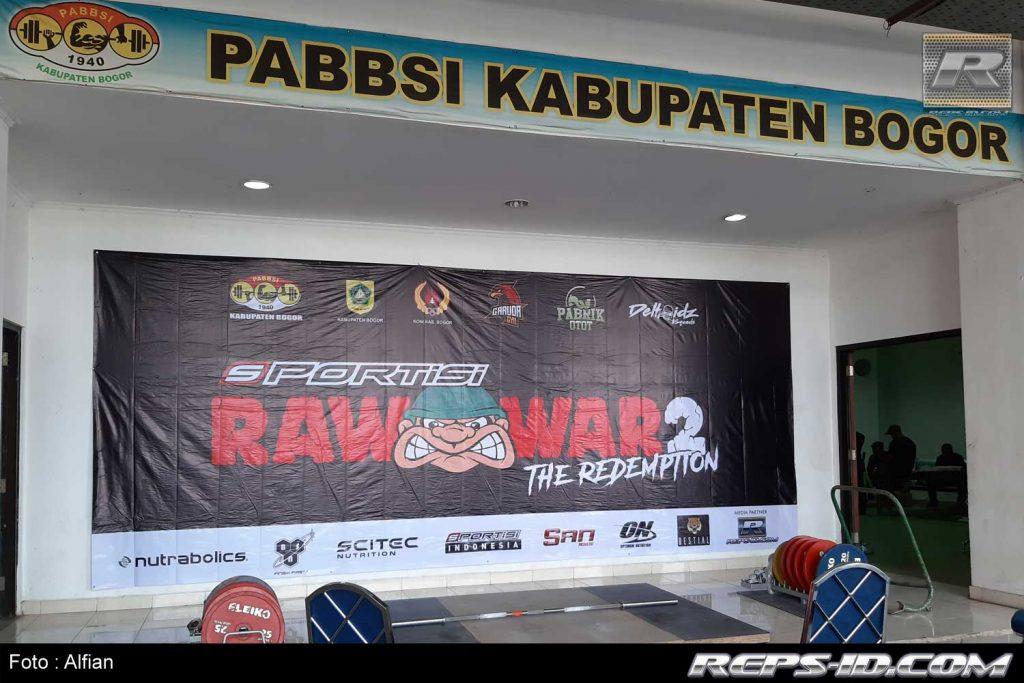 panggung raw war