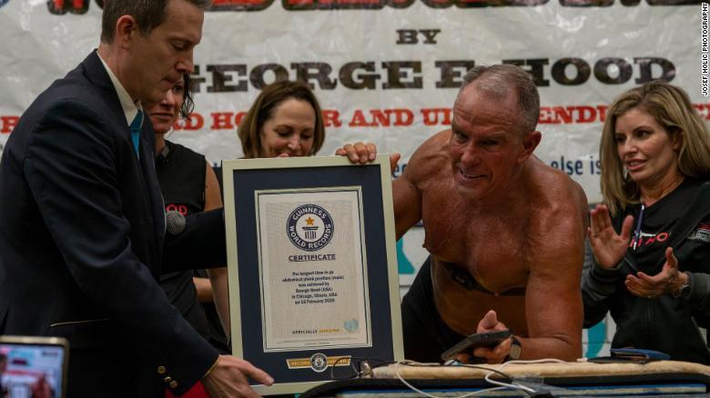 George Hood Berhasil Memegang Rekor Plank Terlama