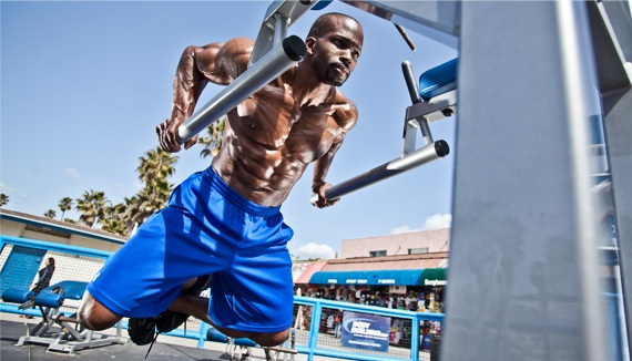 kelechi-oparas-targeted-chest-workout_c