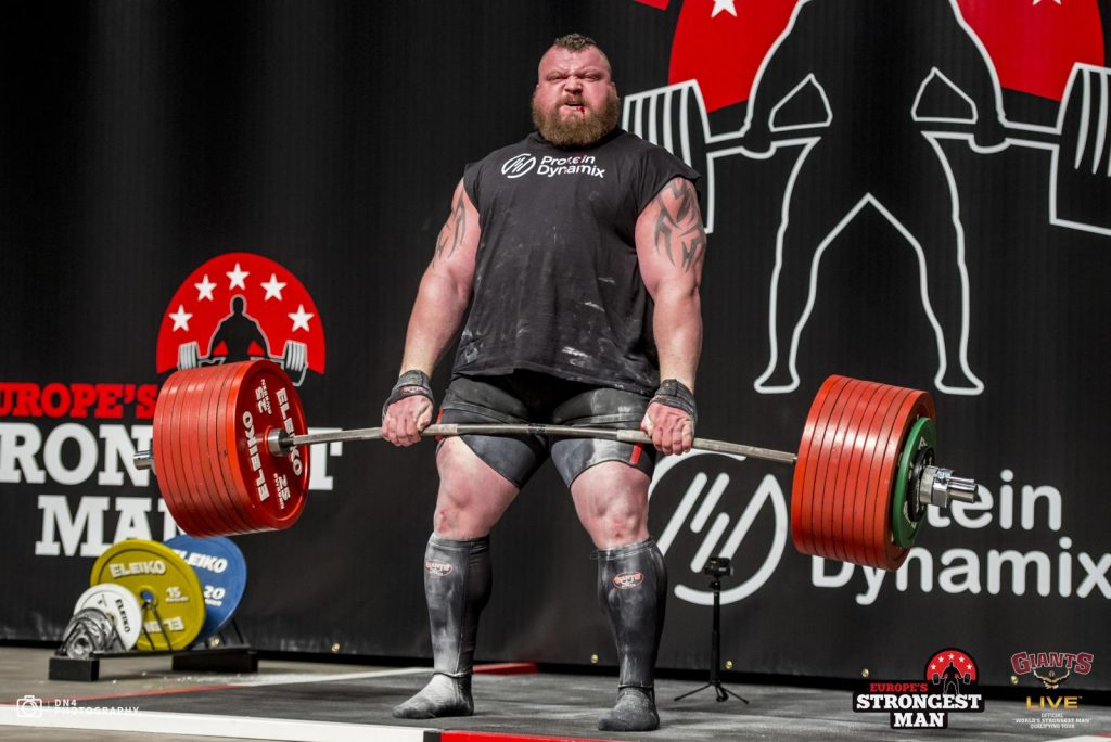 Eddie Hall doing deadlift